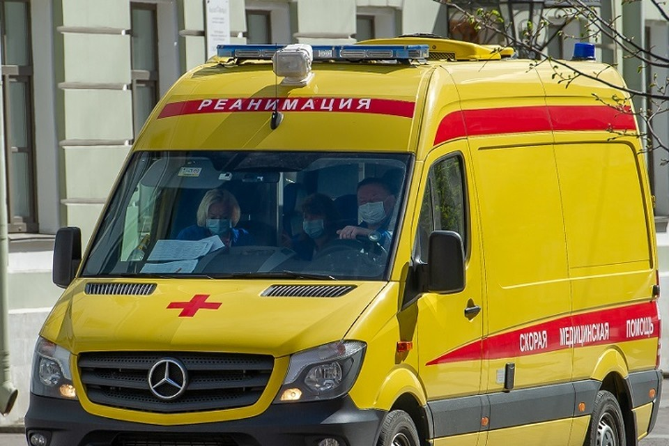 В Архангельске женщина вытолкнула ребенка из окна первого этажа.