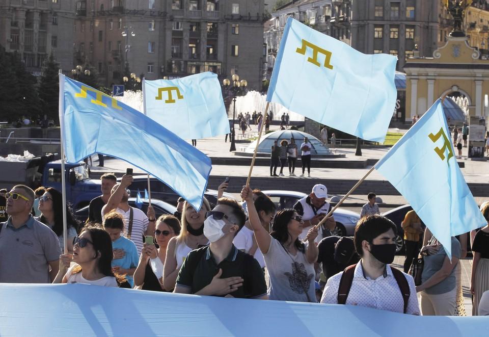 На Украине празднуют победу, одержанную над Москвой