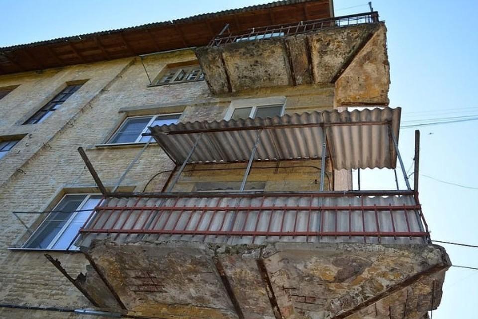 Известно, что жильцы в скором времени будут выселены – им предложат социальное жилье в других домах, возможно, в разных частях Уфы