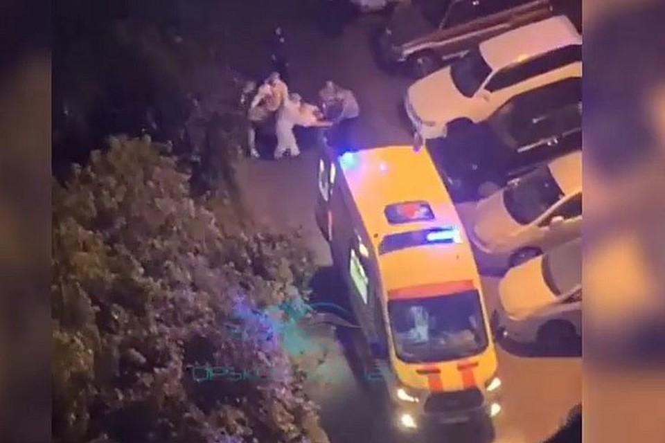 Очевидцы уверяют, что молодой человек выпал с 9 этажа
