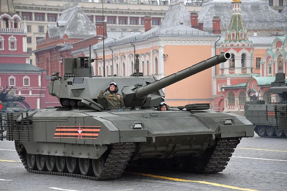 Странные события происходят с нашим новейшим танком Т-14 «Армата».