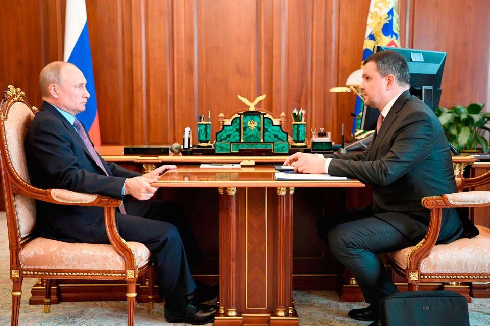 Владимир Путин и Максим Акимов.