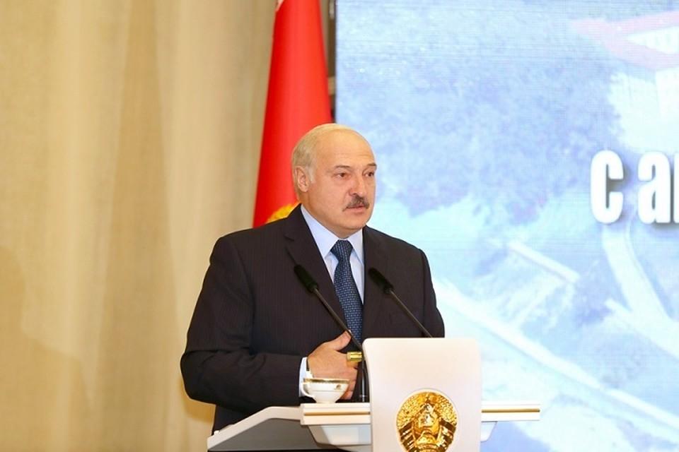 """Лукашенко снова пояснил, что во время пандемии COVID_19 """"ни в коем случае нельзя было закрывать людей в квартирах"""". Фото: belta.by."""