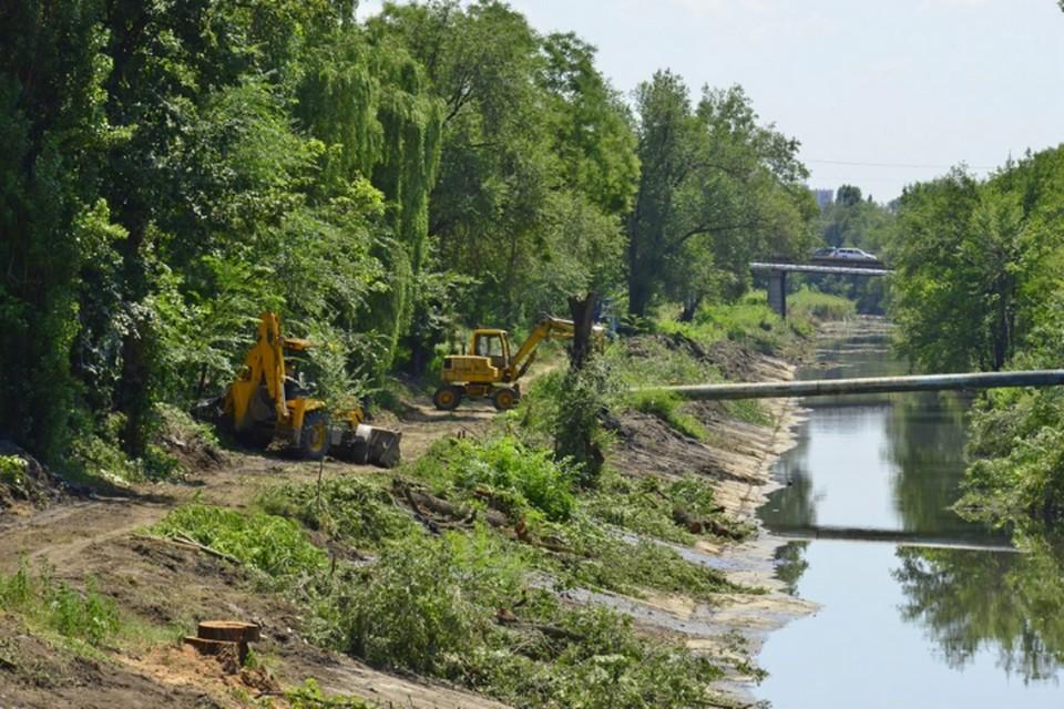 Сколько же лет реку не чистили? Фото источника.