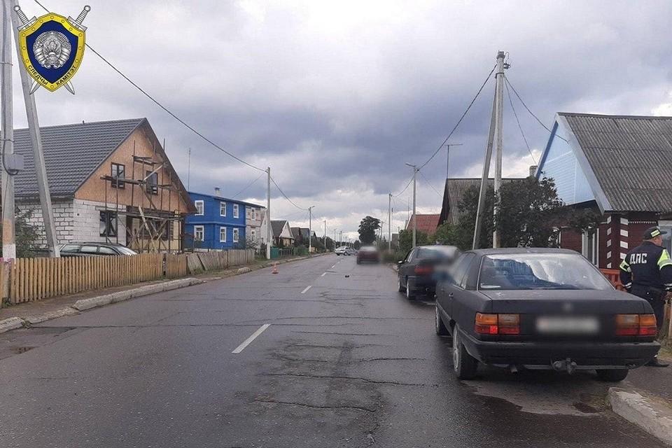 Водитель не предусмотрел, что из-за припаркованных авто на дорогу выбежит ребенок. Фото: СК.