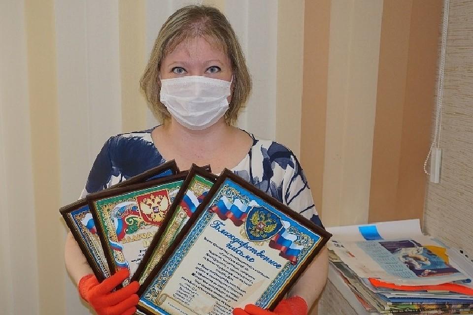 Женщина засыпала медиков благодарственными письмами.Фото: minzdrav.tatarstan.ru