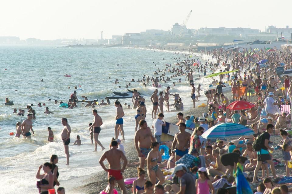 В Крыму уже отдохнули 1 миллион туристов