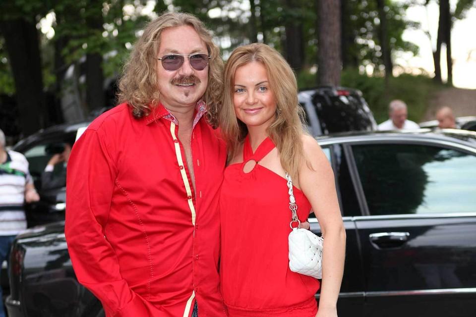 Юля была поклонницей Николаева с детства. Она первая призналась ему в любви и дождалась, пока композитор сделает ей предложение.