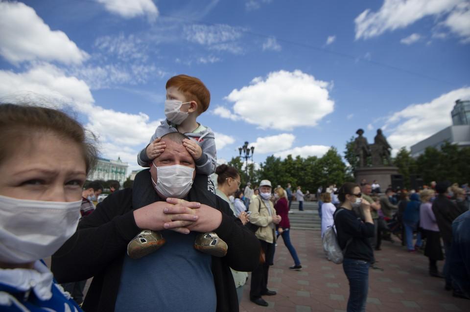 Екатеринбург постепенно возвращается к прежней жизни.