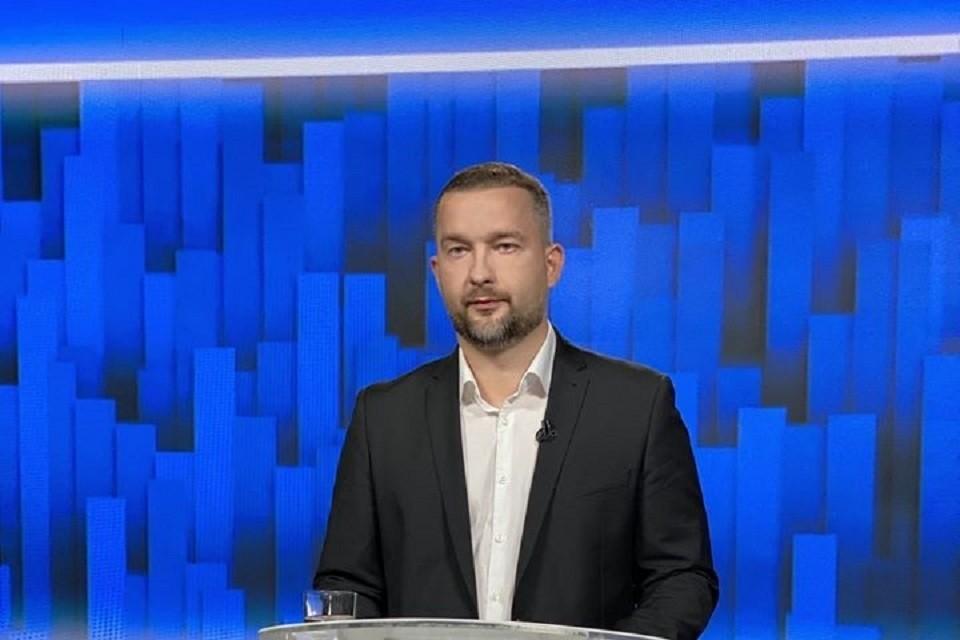 Кандидат в президенты Сергей Черечень в своем выступлении говорил об инвестициях, переменах и неэффективных государственных предприятиях. Фото: www.facebook.com/svcherechen