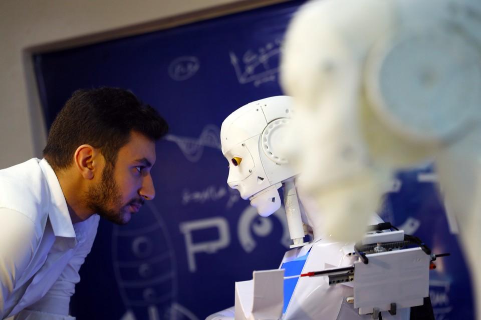 Эксперты «Яндекса» провели масштабное исследование о том, что писали СМИ об искусственном интеллекте в течение последних 10 лет.
