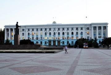 Озвучены заработки министров Крыма, их жен и мужей