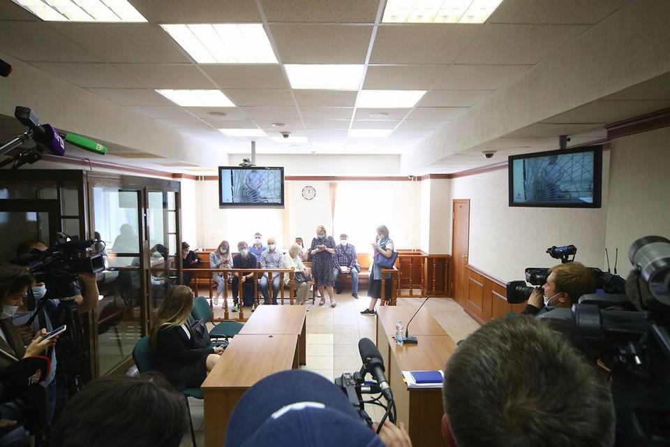 """Обвиняемые вину отрицают и уверяют, что все десять грудничков живы, здоровы и рождены в рамках легальной программы. Фото: Сергей Ведяшкин/АГН """"Москва"""""""