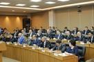 Бизнесмены, партийцы и водитель автобуса: кто хочет стать депутатом Заксобрания Приморья