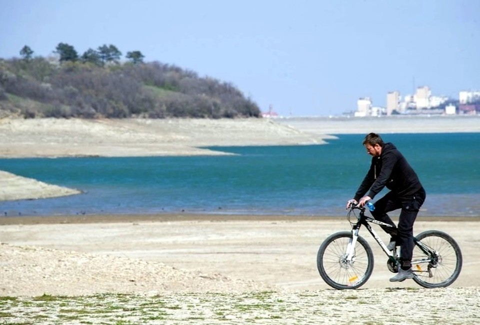 Нехватку воды сегодня испытывает весь Крым