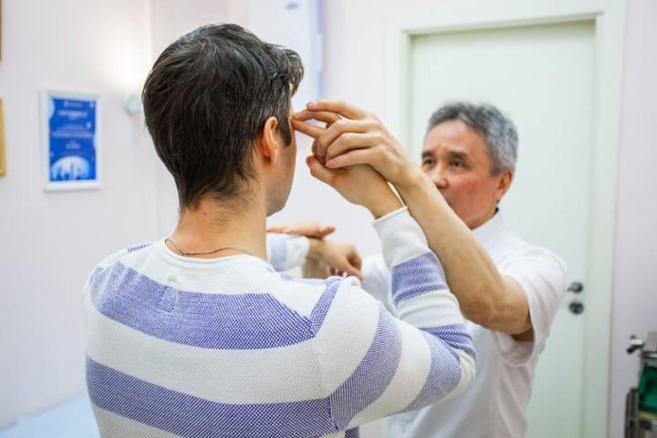 На фоне нервного перенапряжения часто появляются неприятные ощущения, напоминающие симптомы опасных болезней.