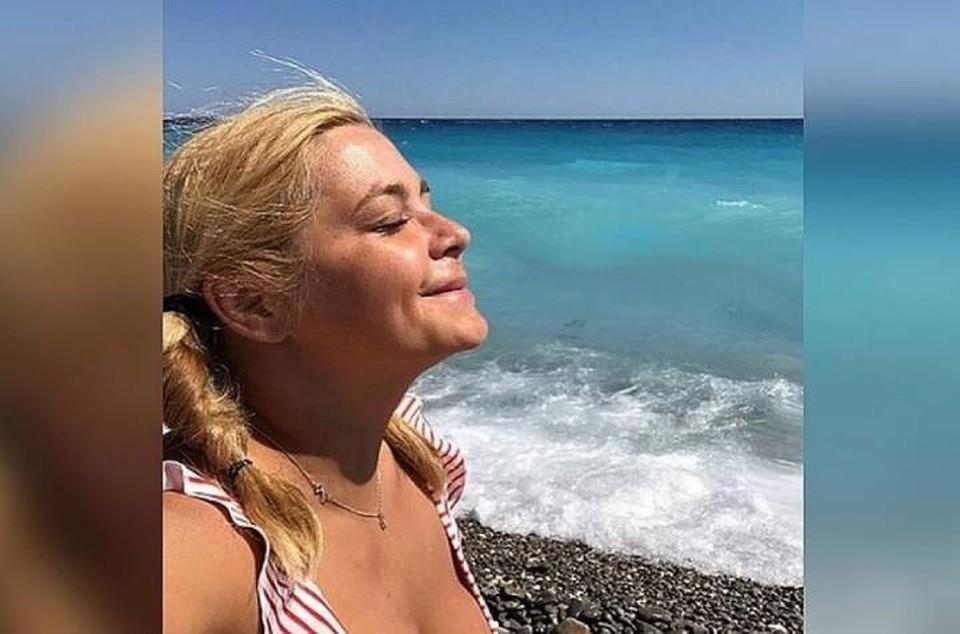 «Вы так заманчивы без купальника»: Ирина Пегова нагишом искупалась в подмосковном карьере.