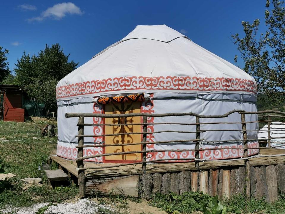 Вот такие юрты есть в Молдове. Фото: facebook.com/excursii.po.moldove