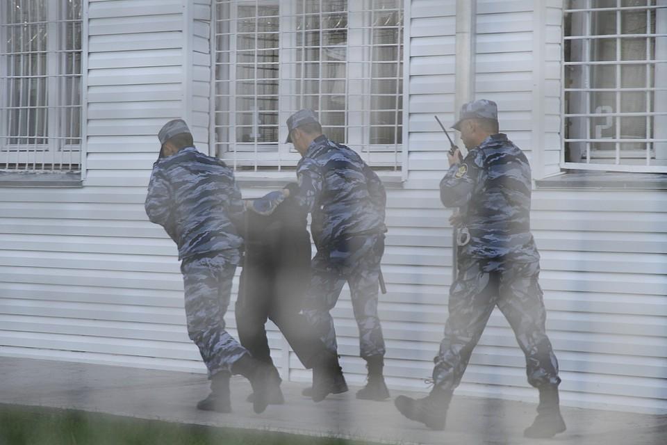 В Красноярске отбывающий наказание боевик агитировал за терроризм прямо в колонии