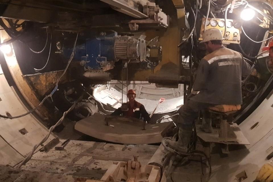После 10 дней простоя возобновилось строительство коричневой линии петербургского метрополитена. Фото: vk.com/metrostroy_arhiv