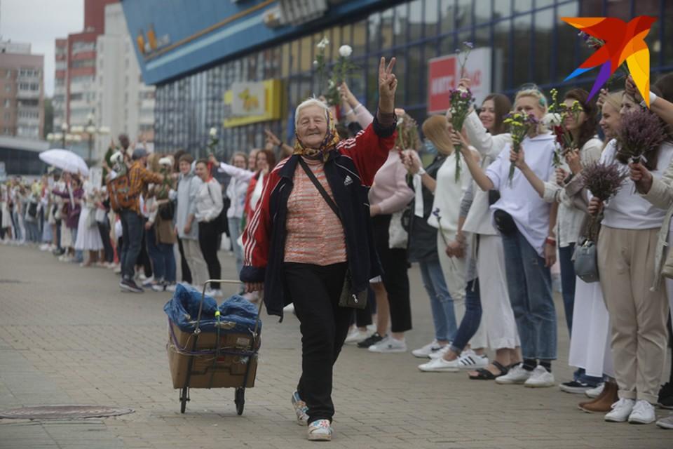 Со дня выборов президента Беларуси пошла третья неделя. Но волнения со стороны несогласных с их результатами с одной стороны и поддерживающих действующего президента со второй по-прежнему не утихают.