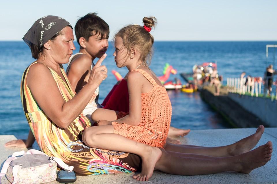 За лето в Крыму отдохнули 3,5 миллиона человек