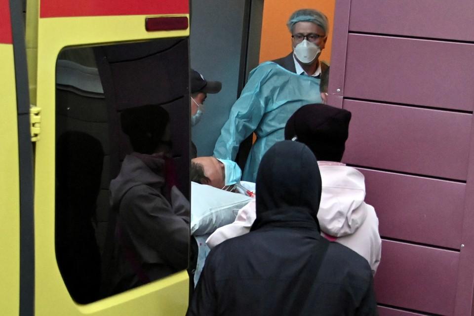 По просьбе семьи оппозиционера перевезли в немецкую клинику на частном самолёте