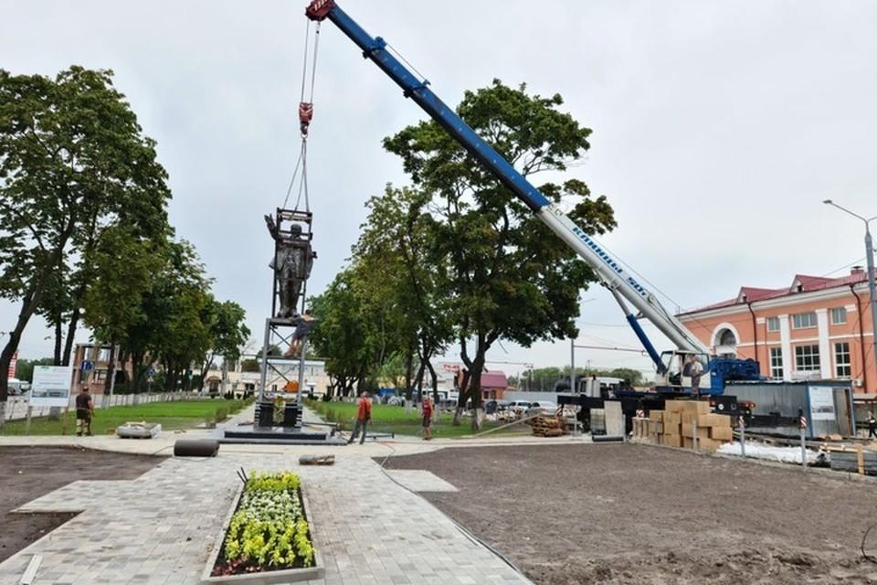 Памятник вернули из художественной мастерской после реставрации.