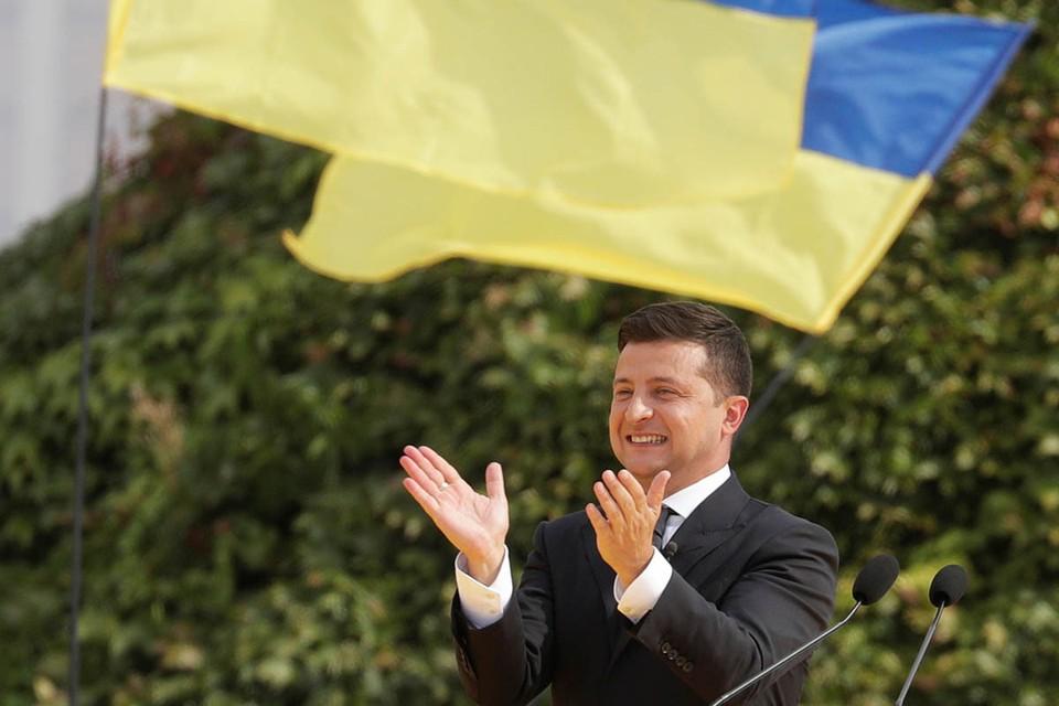 Президент Украины Владимир Зеленский вляпался в очередной скандал.