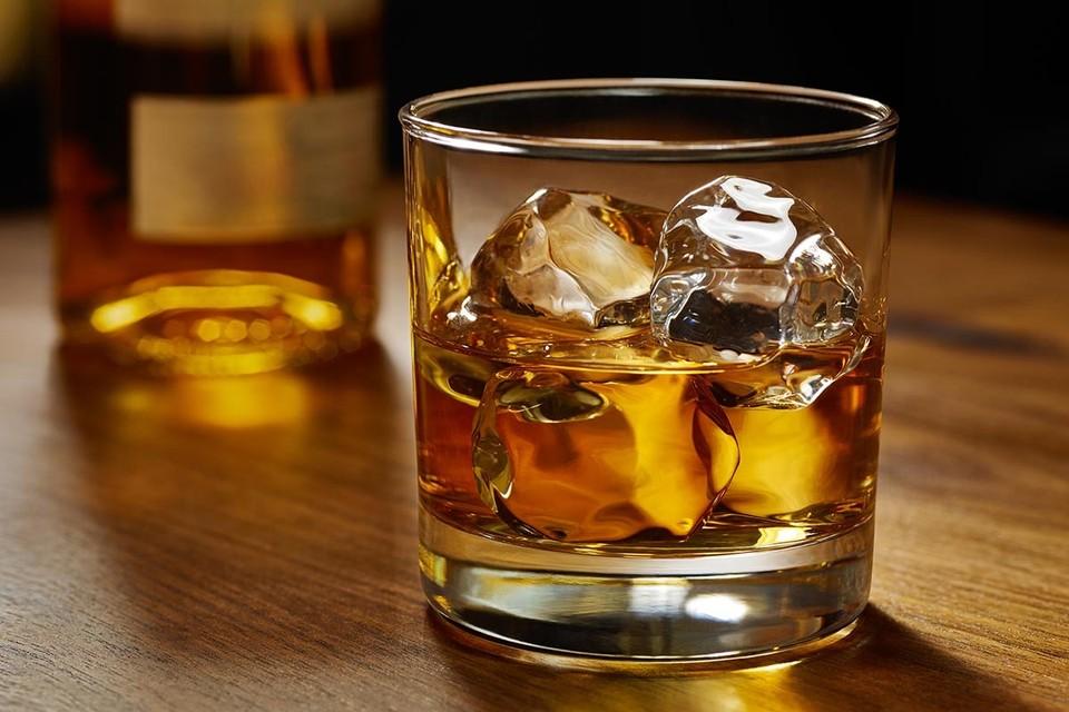 Молодой британец смог собрать необходимую для первоначального взноса за дом сумму, продав коллекцию марочного виски.