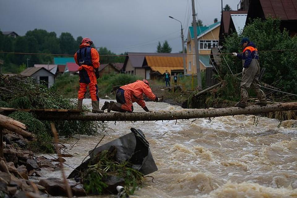 Вода в реках поднялась из-за сильного дождя