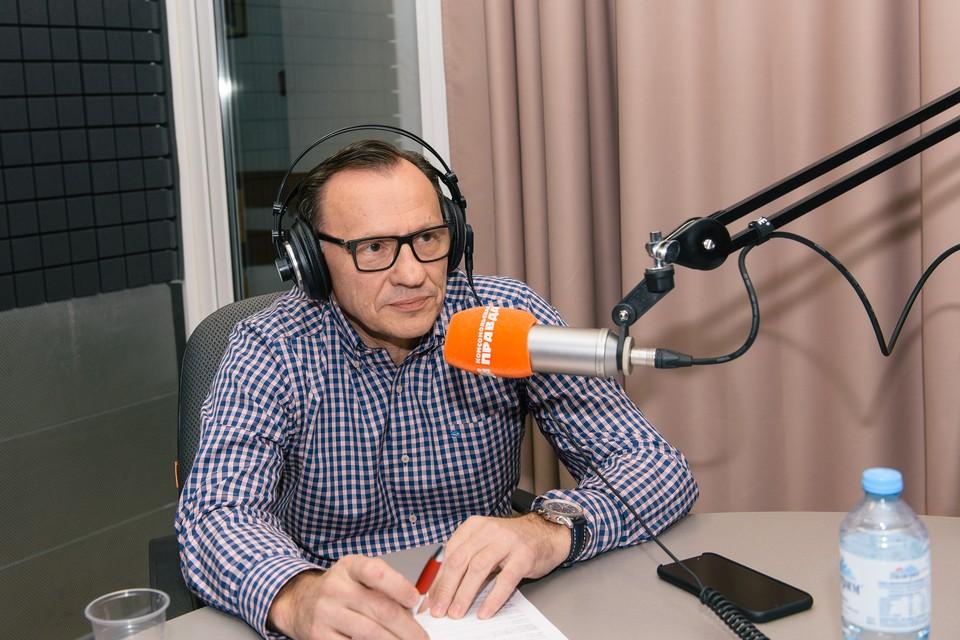 Евгений Калакуцкий в студии радио «КП-Самара» 98.2 FM.