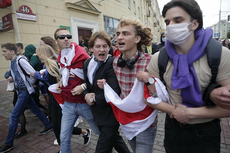 Студенческий марш в Минске в первый день нового учебного года.