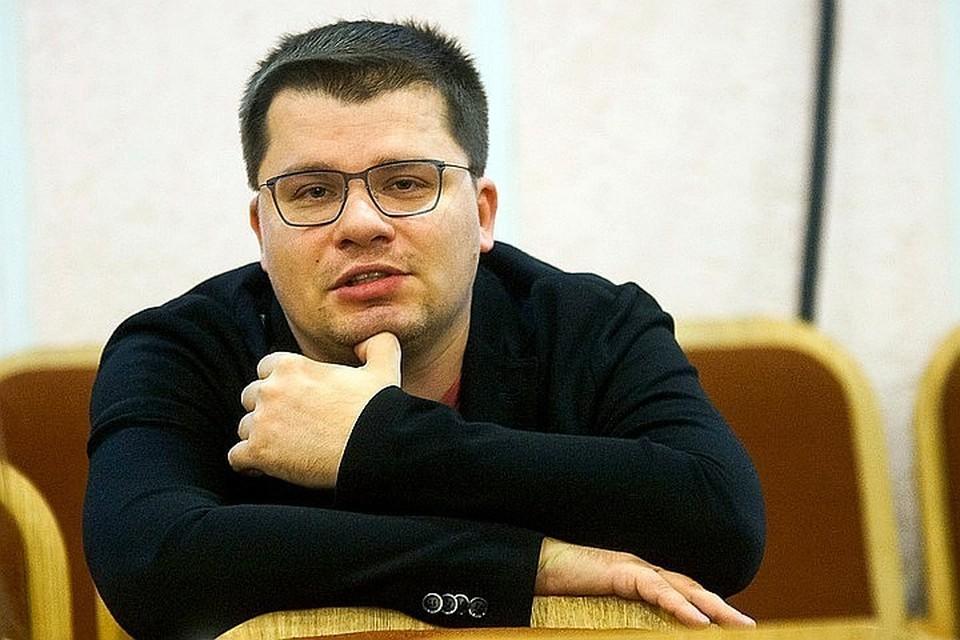 Гарик Харламов все еще холостяк.