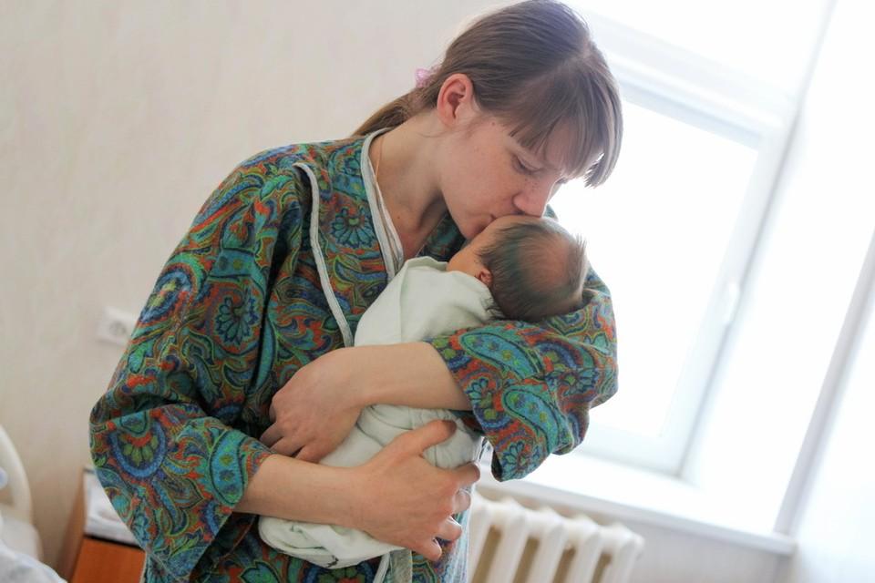За первые полгода в 2020 году в Приморье родилось 8420 детей