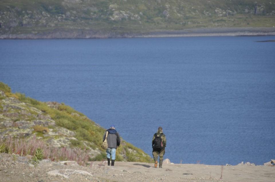 Туристы привозят в Териберку не только деньги, но и проблемы.