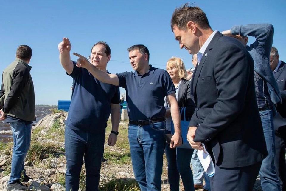 Дмитрий Кобылкин во время рабочей поездки в Еврейскую автономную область. Фото: Пресс-служба Минприроды