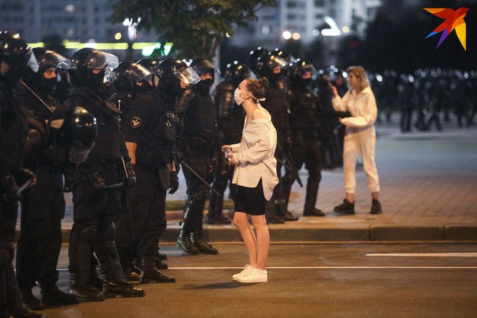 МВД напоминает, что клевета, оскорбления и угрозы в отношении сотрудников милиции наказываются по закону.