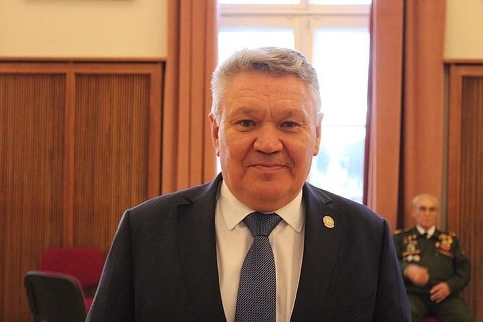 Бурганов был отстранен от должности главы ведомства и заместителя премьер-министра Татарстана утром, 17 сентября, в связи с переходом на другую работу.