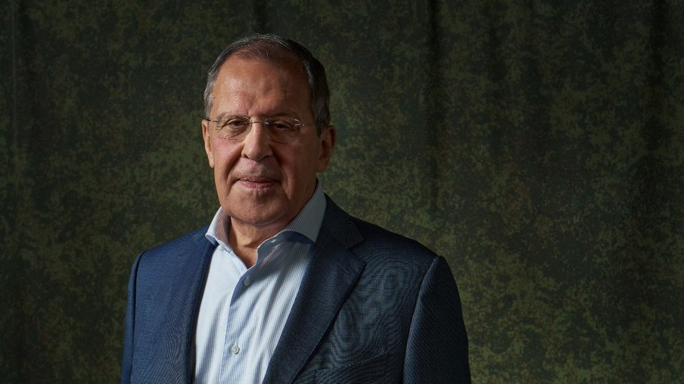 К процессу конституционной реформы должны быть привлечены представители всех слоев белорусского общества, считает Лавров