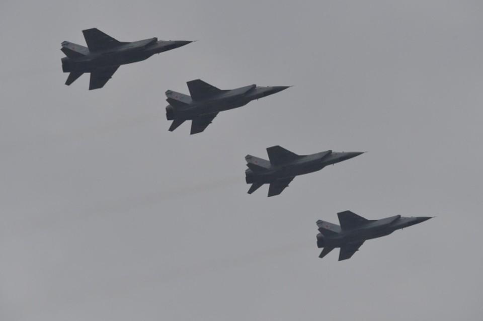 В Хабаровском и Приморском краях истребители участвуют в воздушных боях