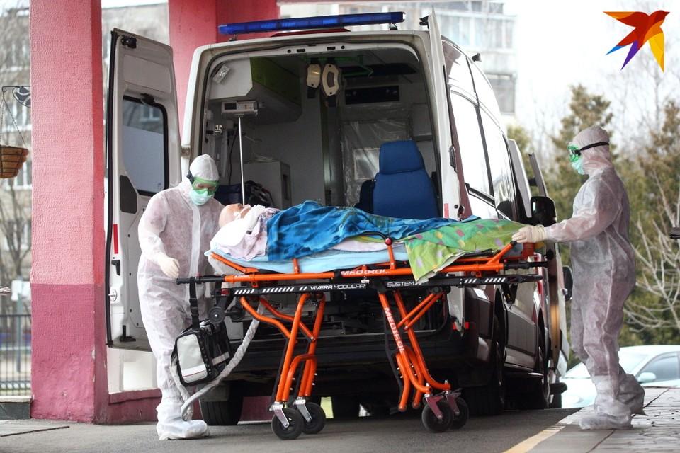 За все время пандемии по официальным данным, в Беларуси умер 771 человек.
