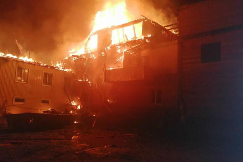 Пожар в частной гостинице начался вечером 19 сентября.