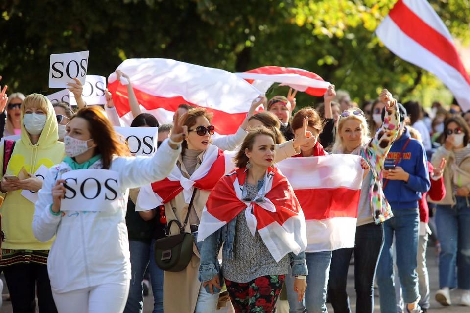 ЕС и США нужна слабая Белоруссия, чтобы превратить ее народ в озлобленное на Россию стадо, считает политик