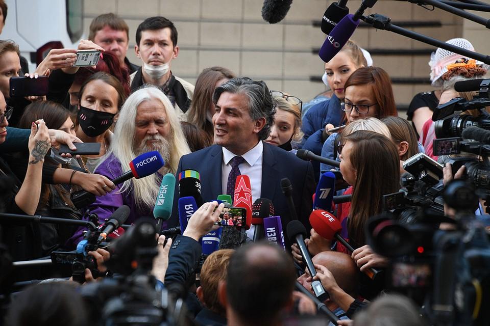 Бывший адвокат актера объяснился после обвинений в непрофессионализме и исключил вероятность снижения срока наказания