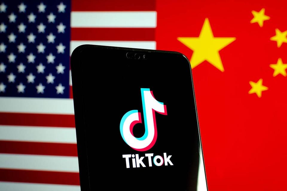 Президент США Дональд Трамп уточнил, при каких условиях американские компании Oracle и Walmart смогут купить часть акций TikTok Global.