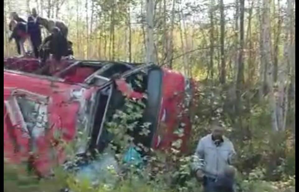 В Хабаровском крае перевернулся рейсовый пассажирский автобус: количество пострадавших растет