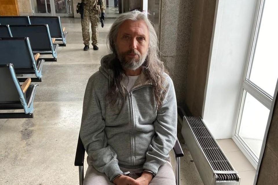 Виссариона доставили в Центральный суд Новосибирска.