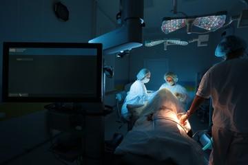 Работали в темноте: российские врачи провели уникальную операцию и вернули ребенку зрение