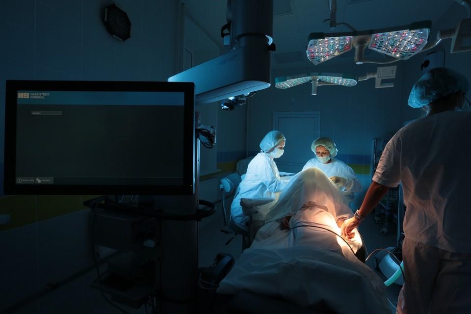 Челябинские врачи уже не впервые возвращают зрение детям, однако в этот раз возникли трудности. Фото: пресс-служба ЧОКДБ